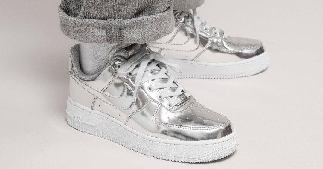 Nike Wmns Air Force 1 Low SP