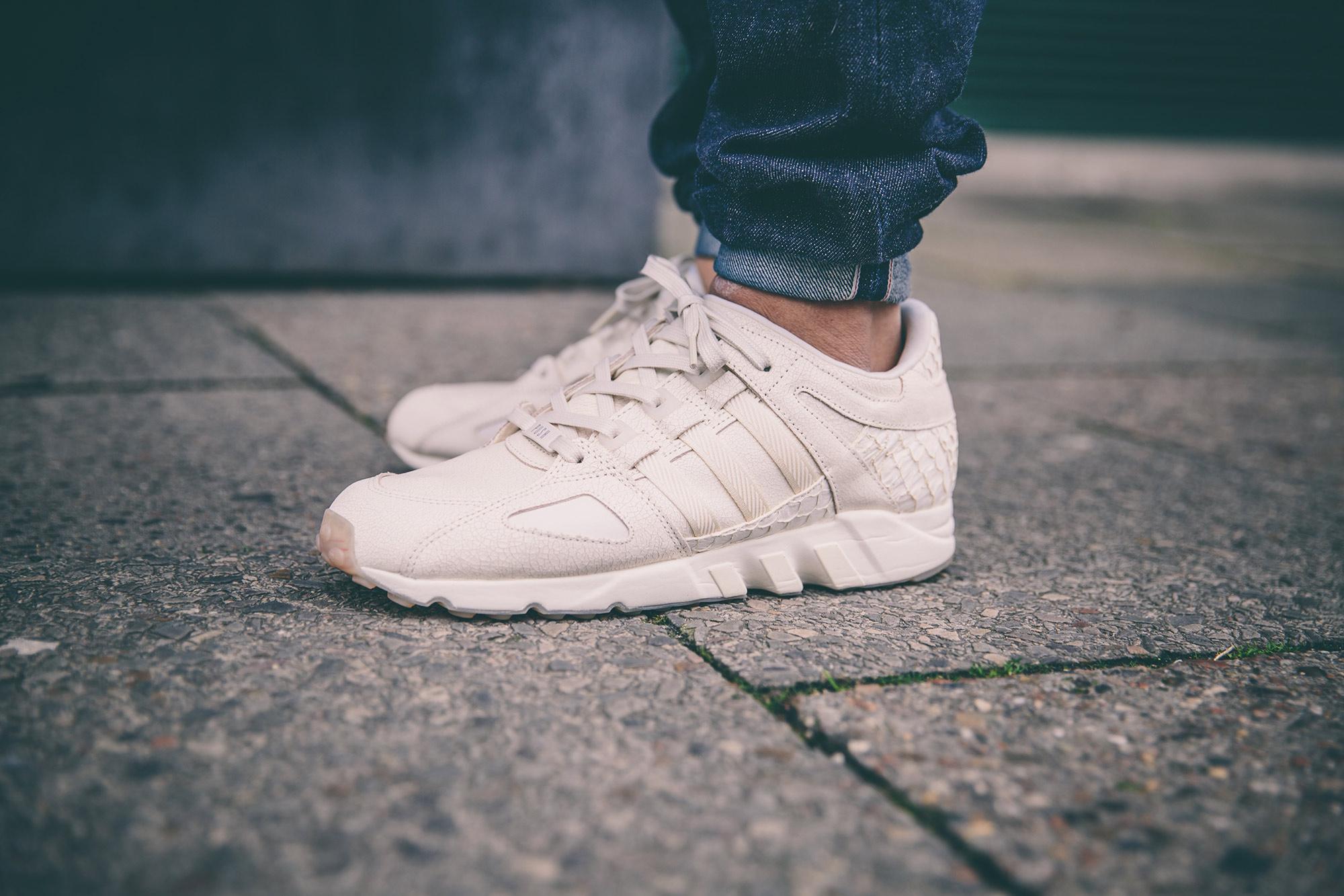 sneakerweekender-on-feet