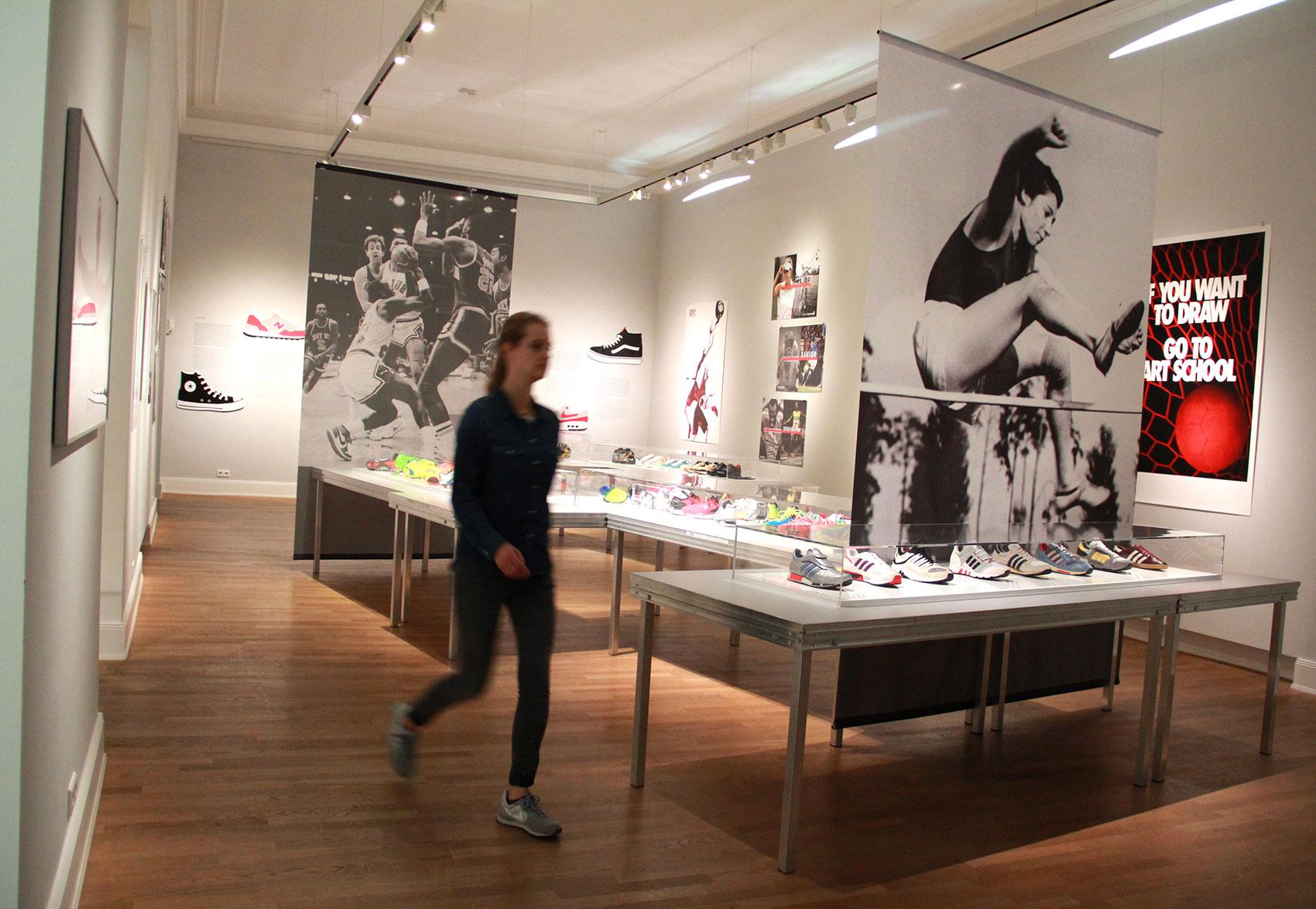 MKG_Sneaker_Ausstellungsansicht_6