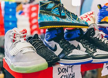 sneaker-weekender