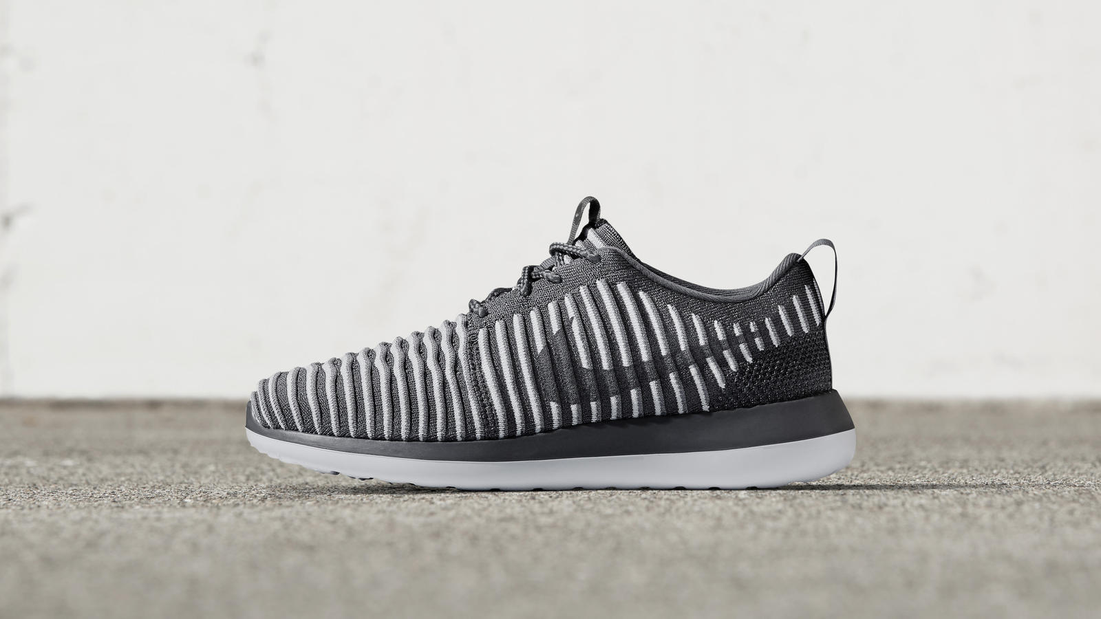 NIKE_NEWS_SNEAKER_FEED_ROSHE_2_3081_hd_1600