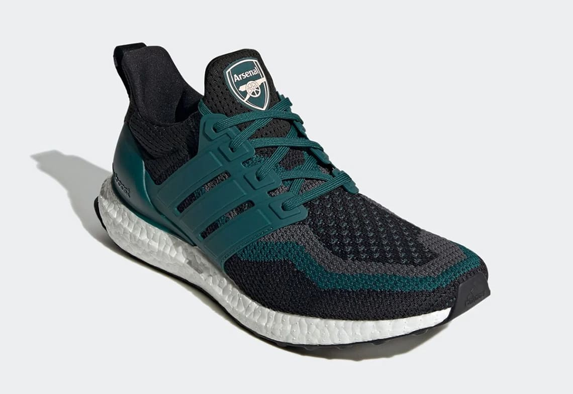 Arsenal-adidas-Ultra-Boost-DNA-FZ3621-release