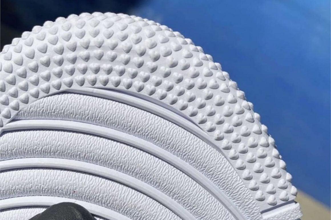 Drake x Nike Air Force 1 Low Certified Lover Boy DA3825-100 Detail Hearts