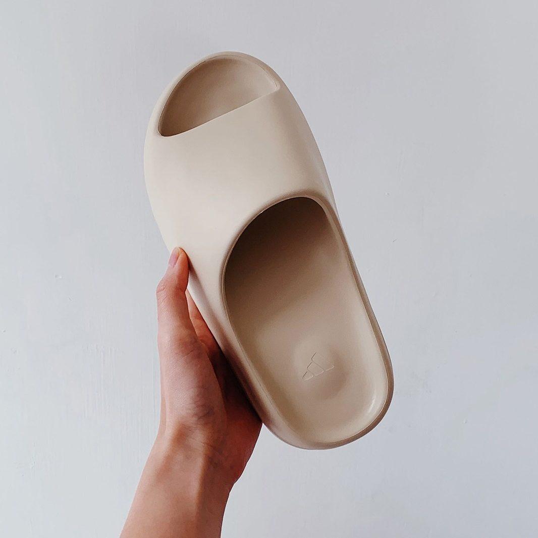Hausschuhe-yeezy-slides
