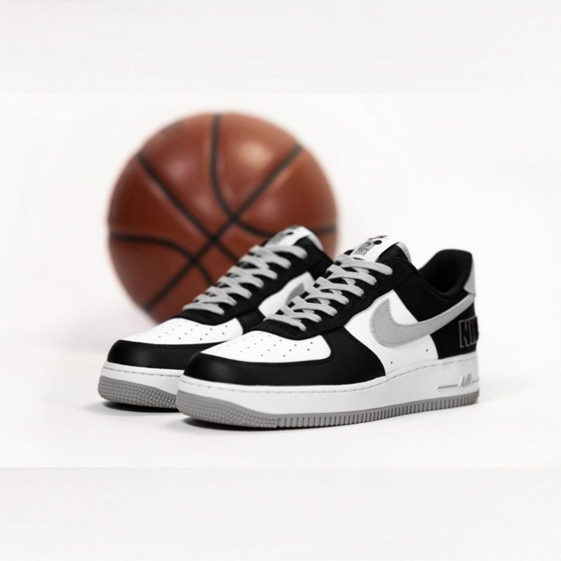 Nike Air Force 1 EMB CT2301-001