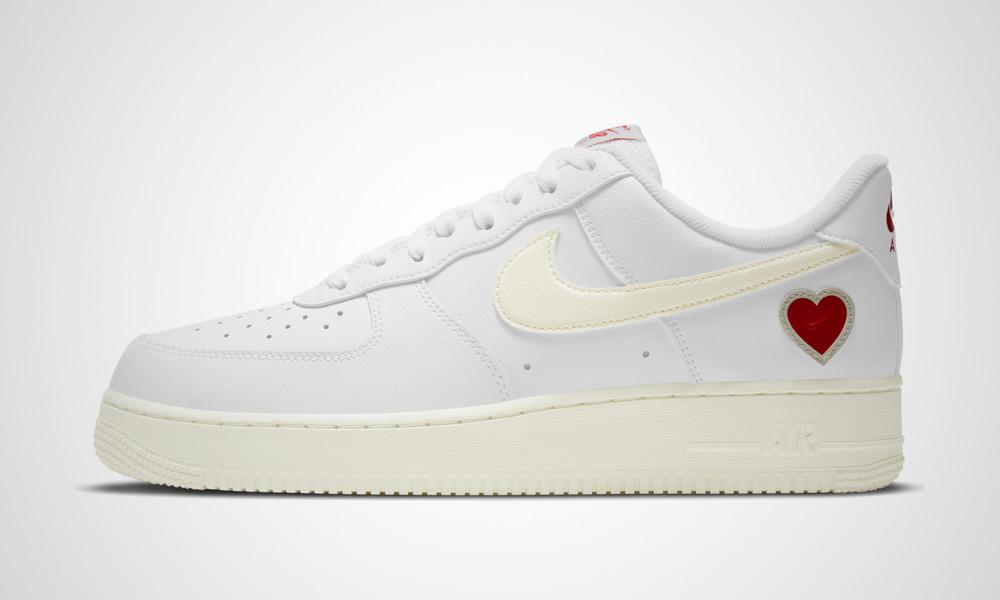 Nike Air Force 1 Valentine DD7117-100