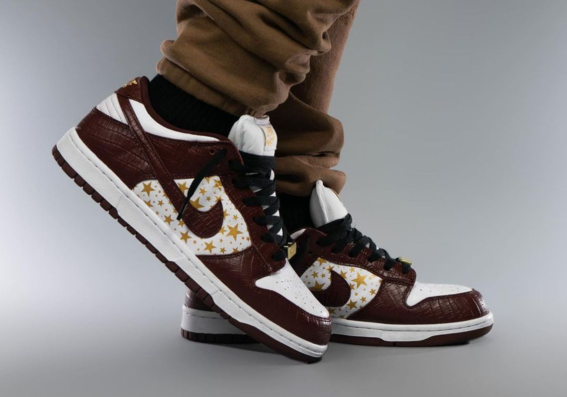 Supreme-Nike-SB-Dunk-Low-Barkroot-Brown-DH3228-103-Release