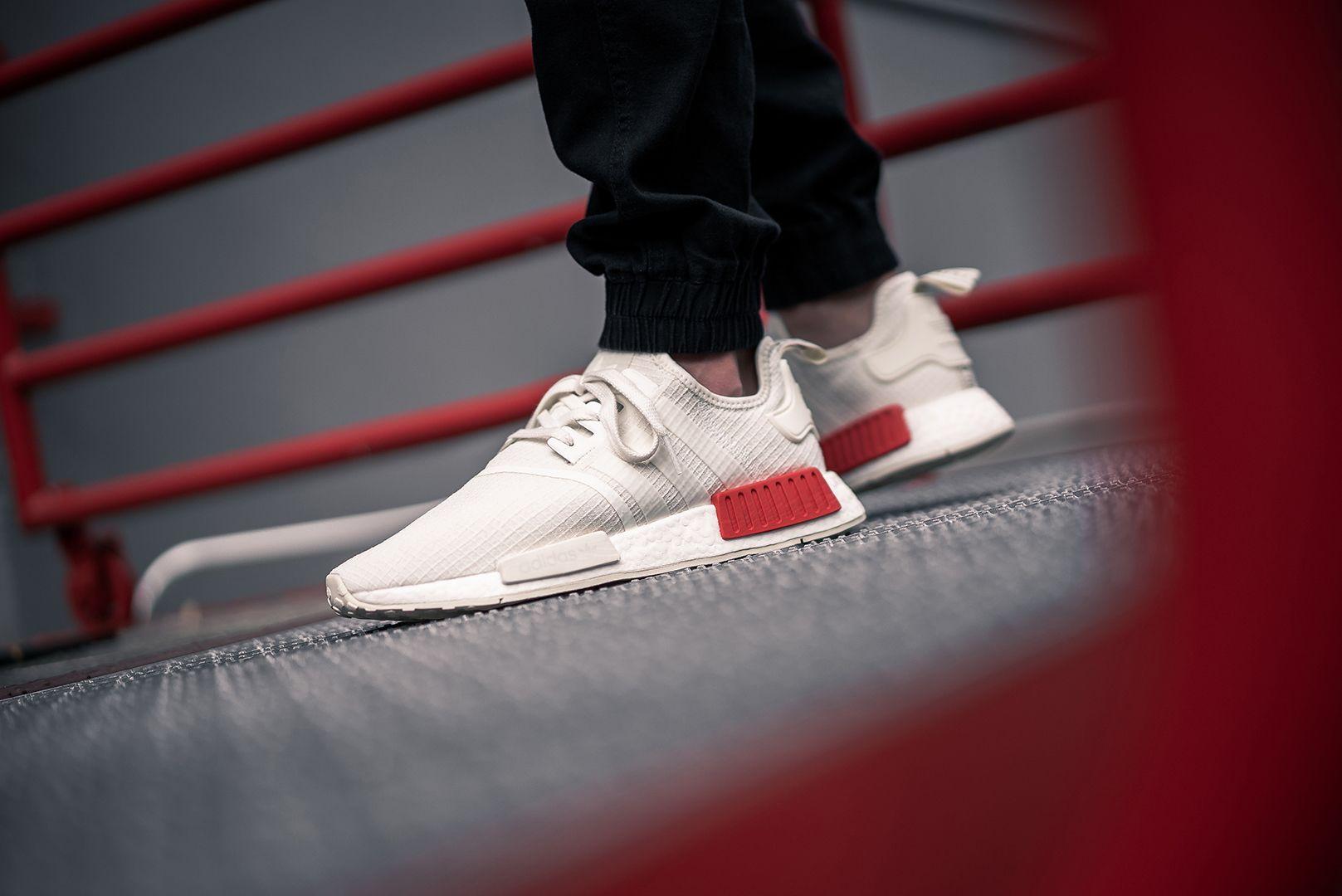 adidas-nmd-r1-white-red-b37619-43einhalb
