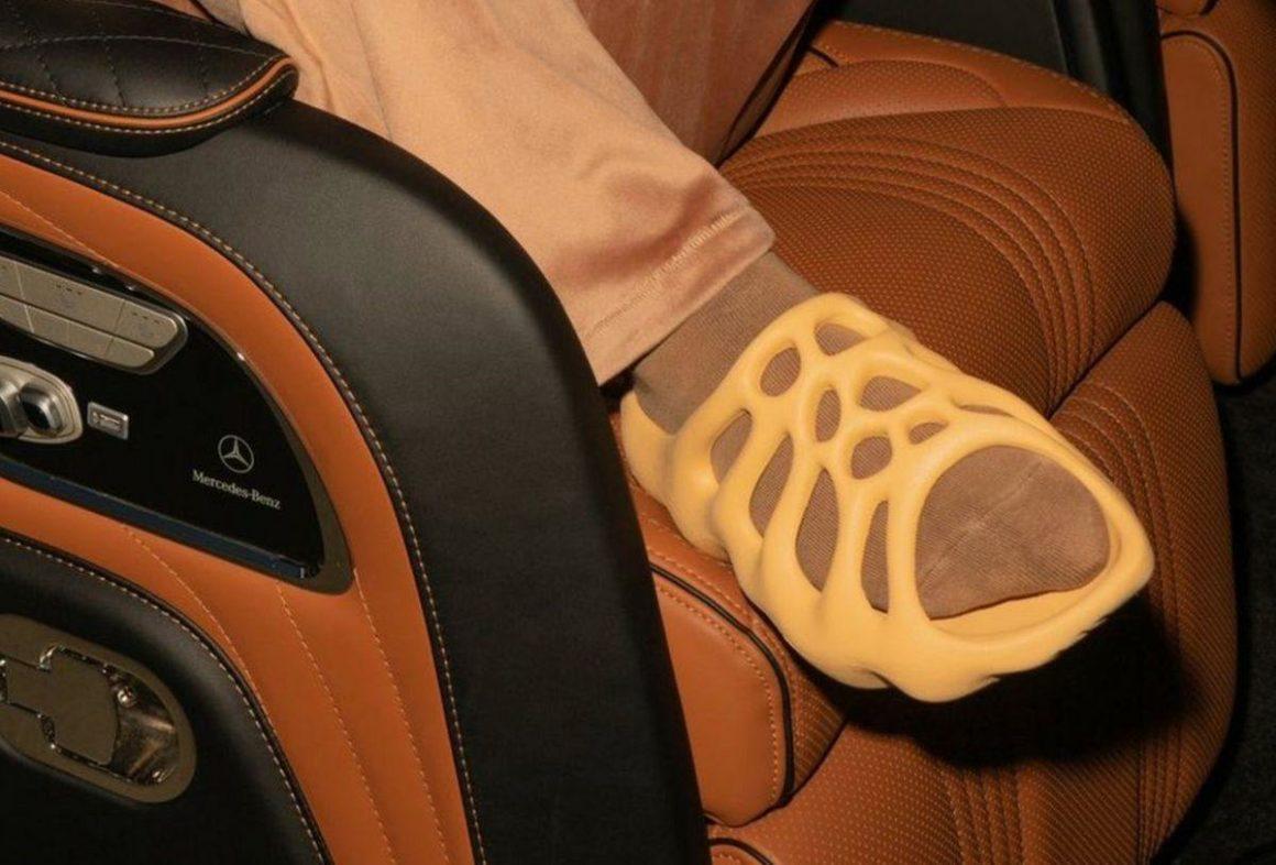 adidas-yeezy-slide-450-release