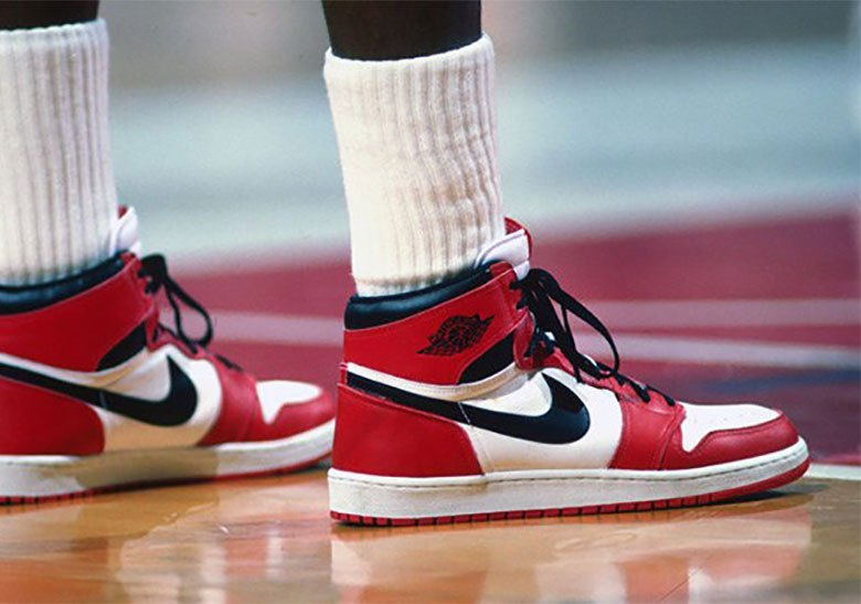 nike-air-jordan-1-chicago