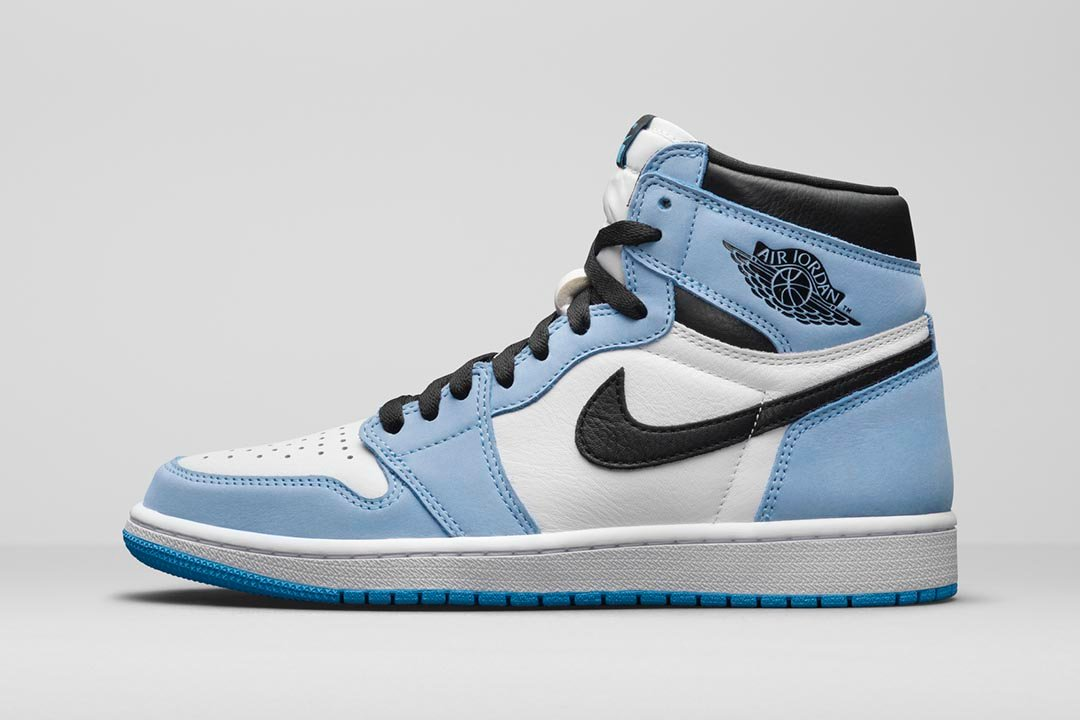air-jordan-1-retro-high-og-university-blue-555088-134-01-1