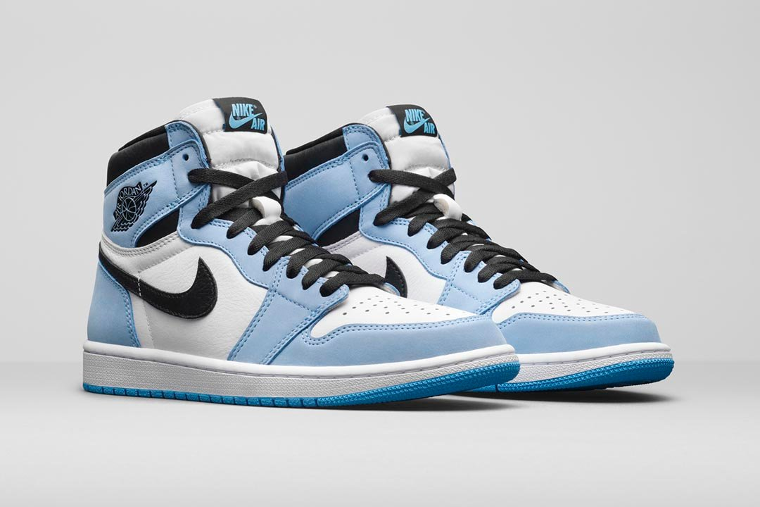 air-jordan-1-retro-high-og-university-blue-555088-134-02-1