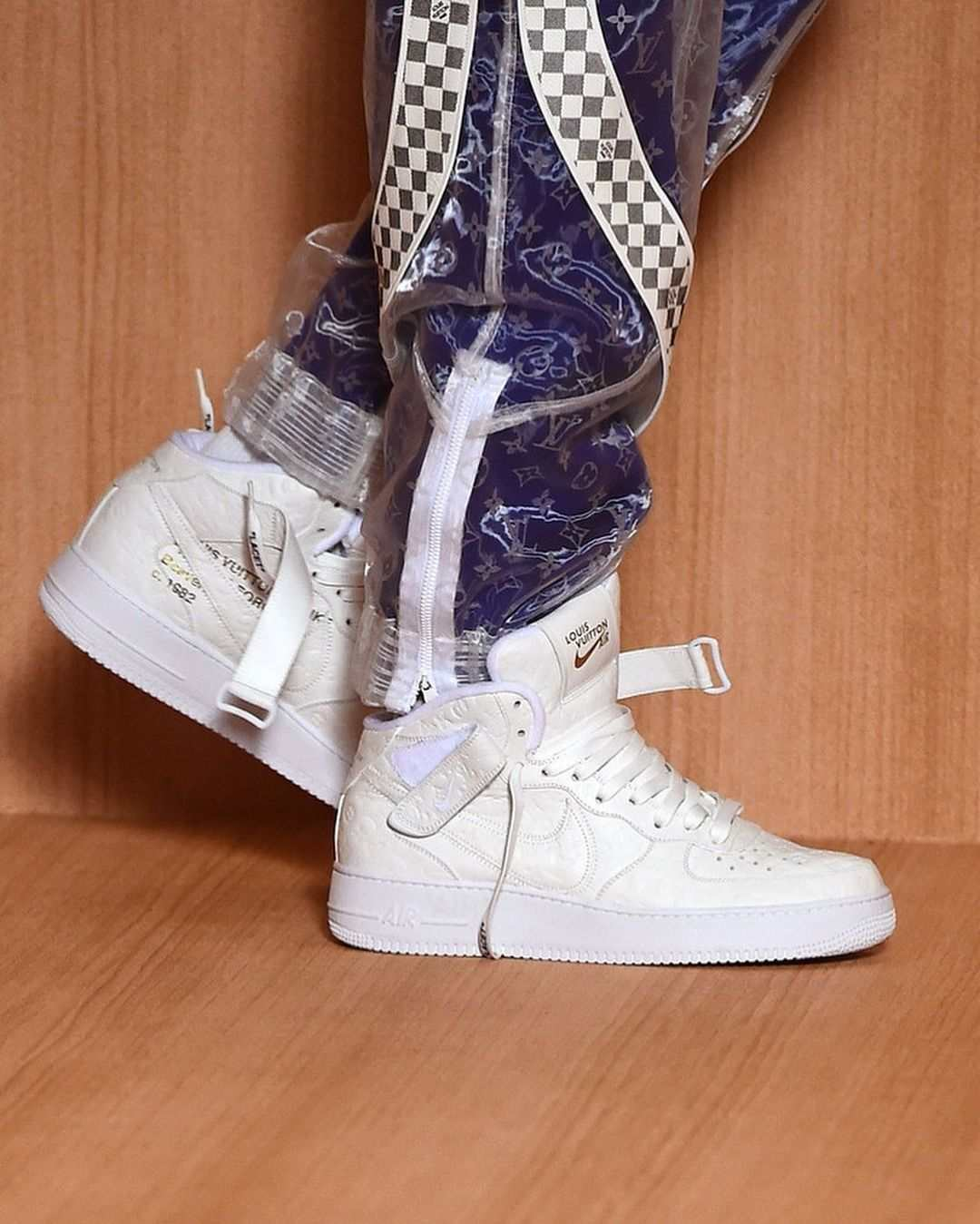 louis vuitton nike air force 1 mid ss22 white sideview