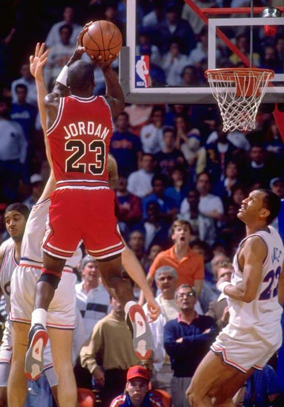 michael-jordan-air-jordan-iv-4-the-shot-playoffs-1989