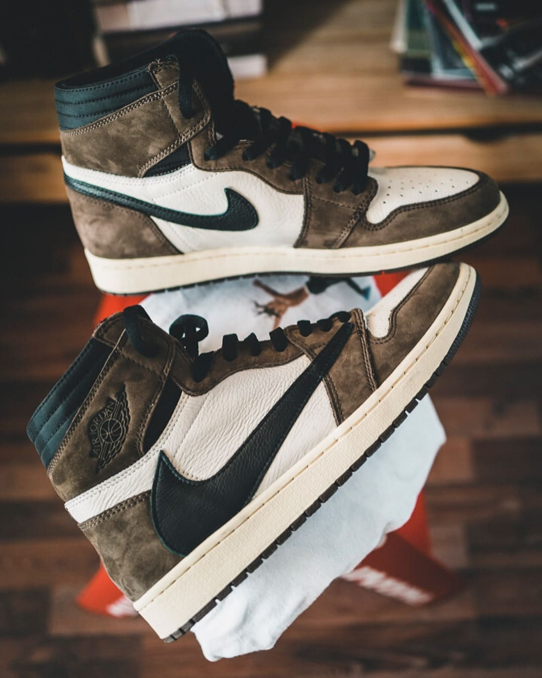 nike-air-jordan-1-cactus-jack-travis-scott-02