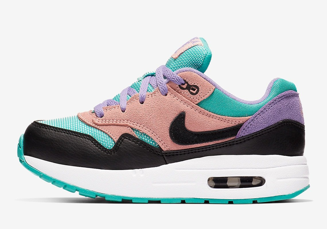 nike-air-max-1-bq7213-001-have-a-nike-day-pack