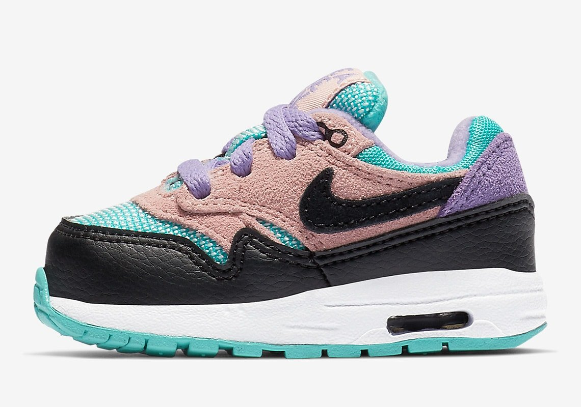 have-a-nike-day-pack-nike-air-max-1-bq7214-001