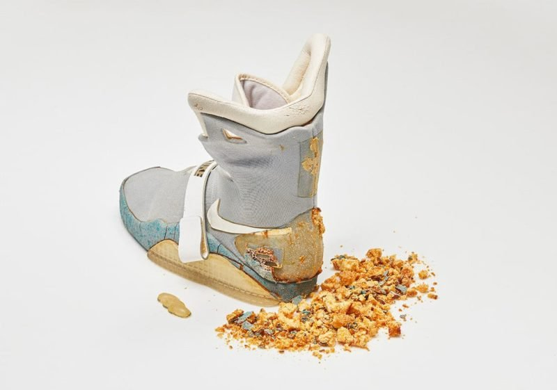 nike-mag-original-shoe-back-to-the-future-ii-marty-mcfly-2 (1)