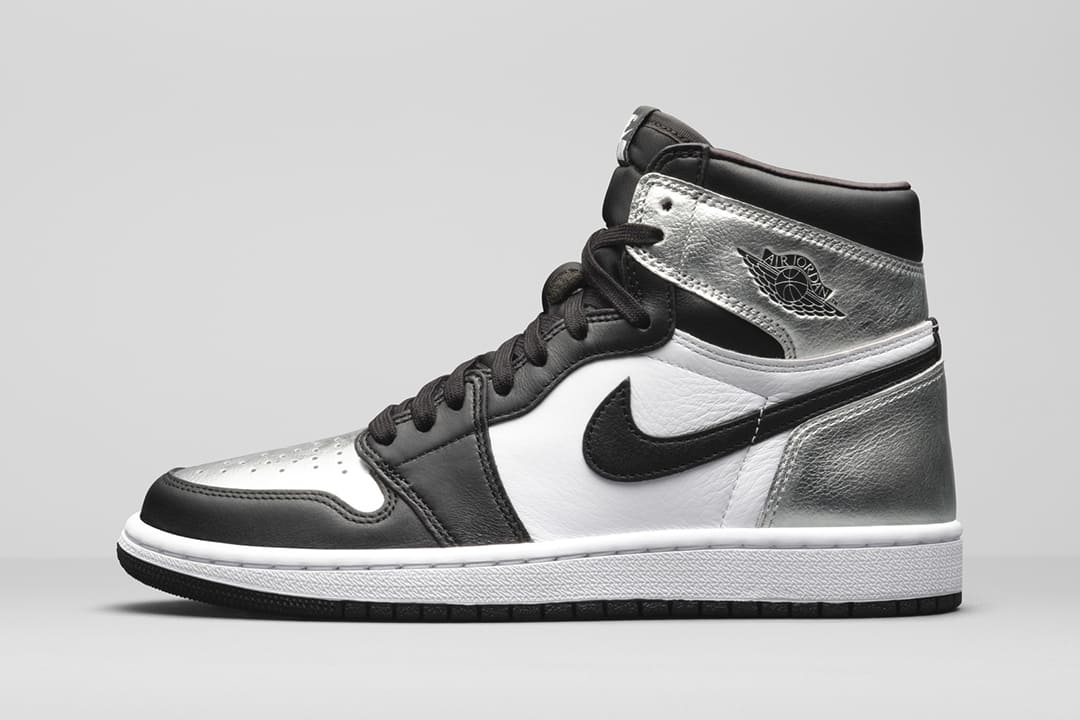 wmns-air-jordan-1-retro-high-og-metallic-silver-toe-cd0461-001-01-1