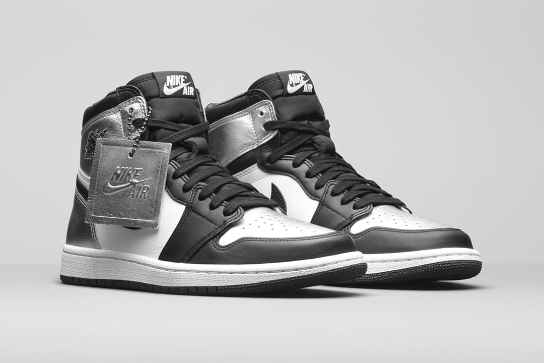 wmns-air-jordan-1-retro-high-og-metallic-silver-toe-cd0461-001-02-1